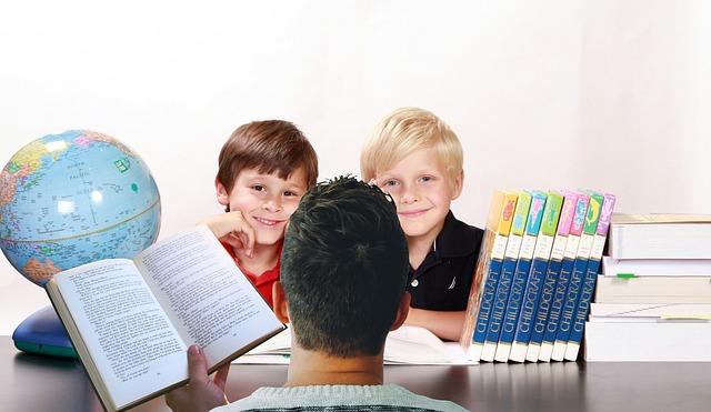 Rodič pomáha s učením.jpg