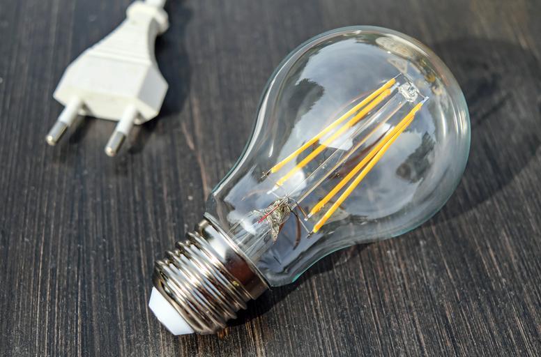 Pokazená, odpojená žiarovka